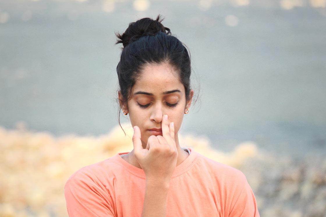 Surya Bhedana (Right Nostril Breathing) : How to do